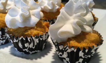 Two Ingredient Pumpkin Muffins