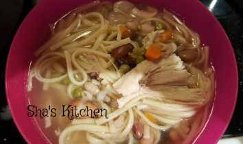 Chicken noodle bean soup